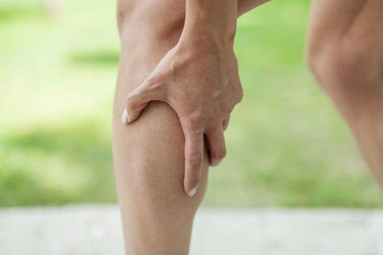 درمان کیست بیکر(ورم پشت زانو) ناشی از انباشته شدن مایع مفصلی زانو