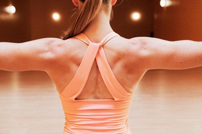 ورزش برای درمان قوز کمر (کیفوز) و برای راست کردن و افزایش ثبات کمر